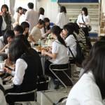 オープンキャンパス中の食堂風景