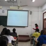 日本語の授業では、学生が講師役を務めました