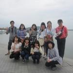 太湖の湖畔で記念撮影