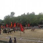 迫力満点の騎馬戦を見学