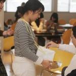 募金活動を行う学生たち(3)