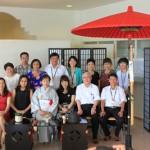 ベトナムからの研修生とお茶席で記念写真