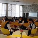 学生食堂体験中