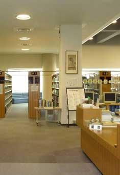 香川短期大学附属図書館内観