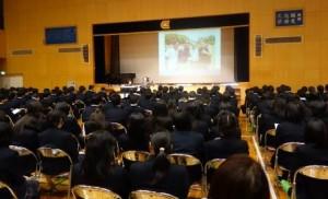講演を聞く高松中央高等学校の生徒さん