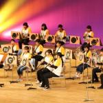 美しいハーモニーを奏でる器楽ゼミの演奏。童謡メドレーでは歌声が響きました