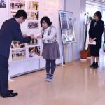 開展セレモニーでは、デザインコンテストの入選者表彰も行われました