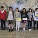募金活動を行う学生評議員たち(1)