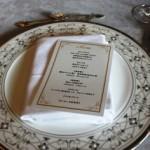 今回のメニュー 前菜:スモークサーモンのポーピエット スープ:茸のクリームスープ カプチーノ仕立て 魚料理:鱈のシャンパン蒸し 肉料理:豚ロース肉のピカタ デザート:アールグレイ紅茶のムース