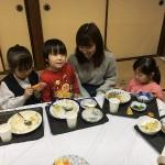 子どもたちに囲まれて楽しく過ごしました