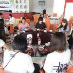 教員や来賓用の食堂で昼食